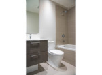Bathroom 2 (Sun 206-5687G)
