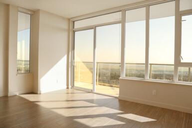 Bright South Facing Room in Moda